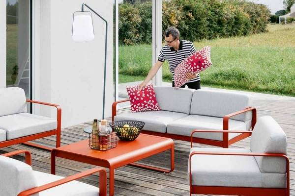 Bellevie Outdoor Sofa in Chilli Red