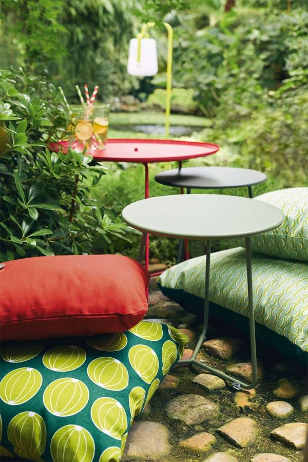 Cocotte low table and stool, Melones and Bananes cushions<br>