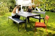 Contemporary Outdoor Dining With Benches