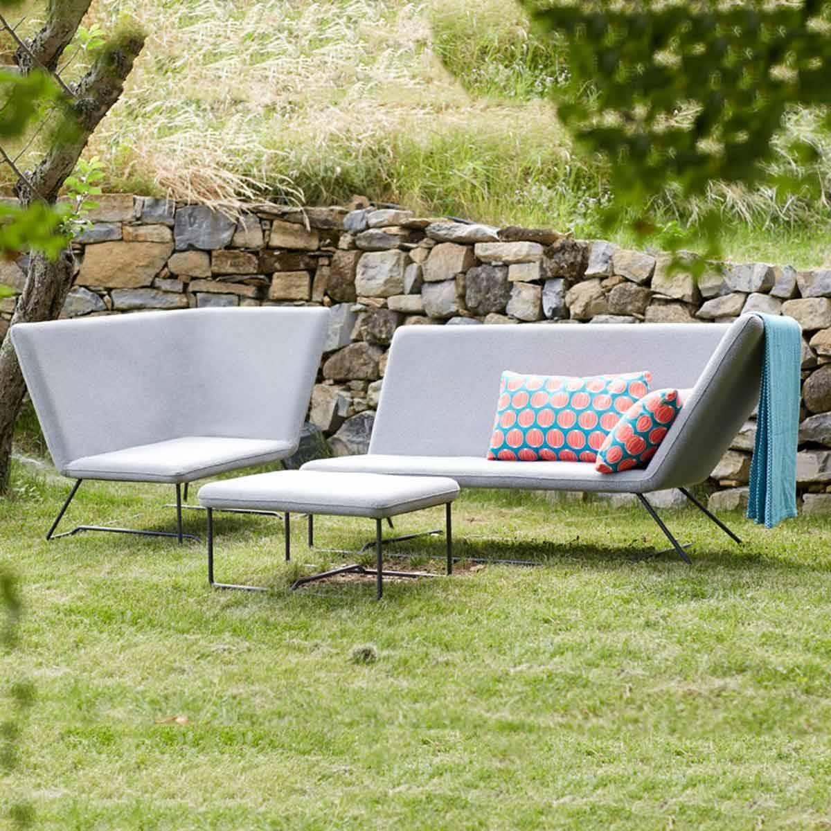 Ultrasofa 2 seater sofa ultrasofa range jardin for Sofa jardin