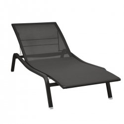 Alize Premium Sunlounger from the Alize Contemporary Outdoor Lounge collection