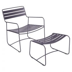 Surprising Outdoor Lounge chair with foot stool in colour Plum from Surprising Collection