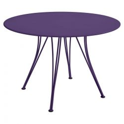 Rendez-vous Outdoor Table Round 110cm in colour Aubergine from Rendez-vous Collection