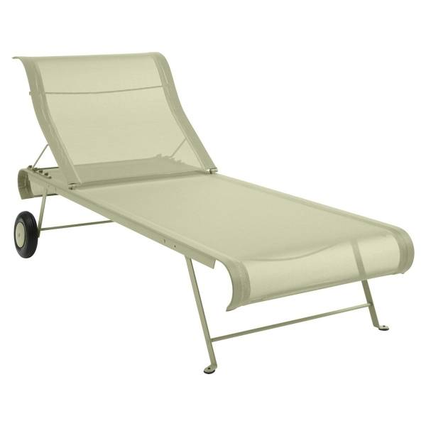 Fermob Dune Sunlounge in Willow Green